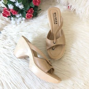 Melrose Avenue Wedge Sandals | Size: 8
